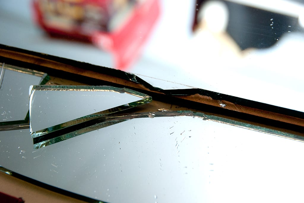 Bathroom Mirror Edge Repair how to cut mirror for diy mirrored furniture - salvaged inspirations