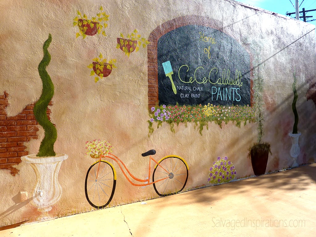 Painting outdoor furniture with chalk mineral paint my for Exterior mural paint