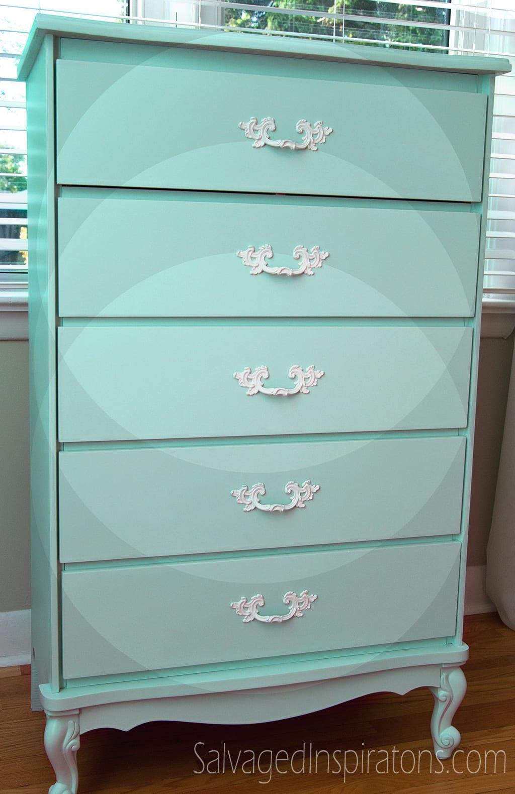 Stop guessing here 39 s how to choose the perfect paint Best color to paint dresser