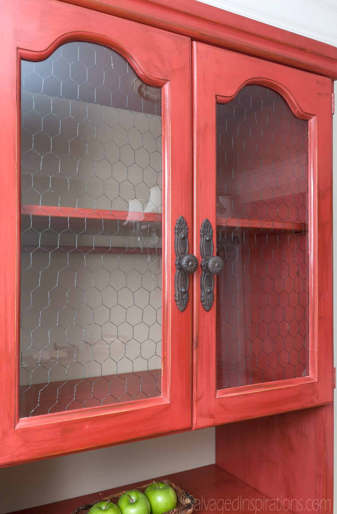 Red-Chicken-Wire-Hutch-Top