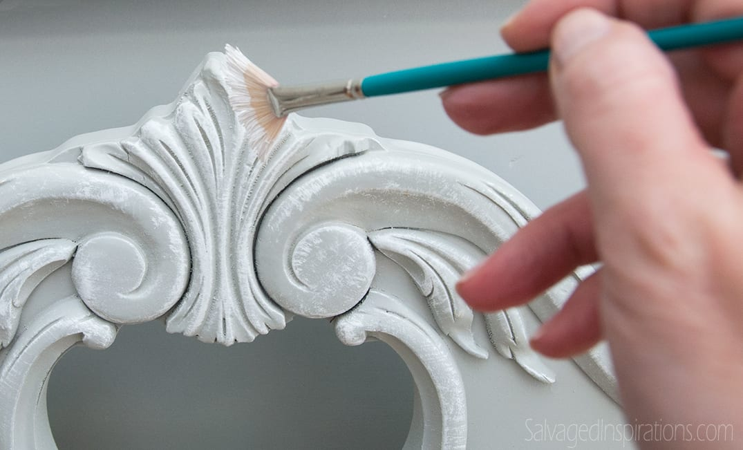 Quick-Tip-Tuesday: Artists Paint Brushes for Painting Furniture?