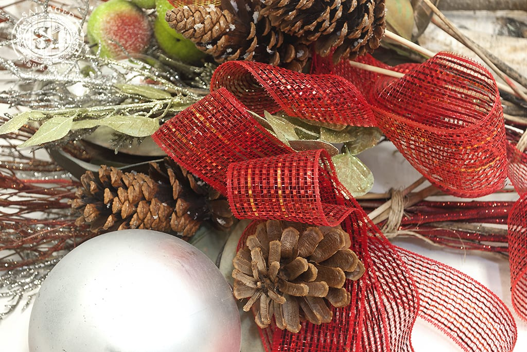 DIY Christmas Urns: In 10 Minutes or Less
