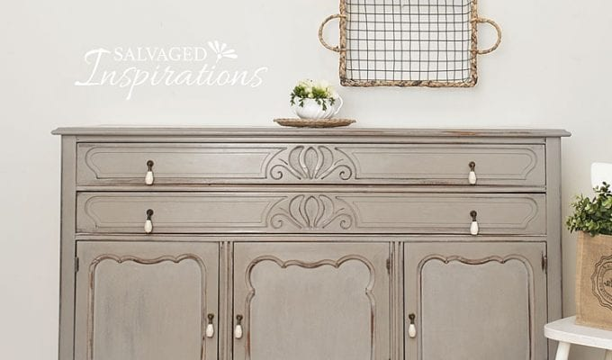 No-Mess-Wet-Distress Painted Furniture