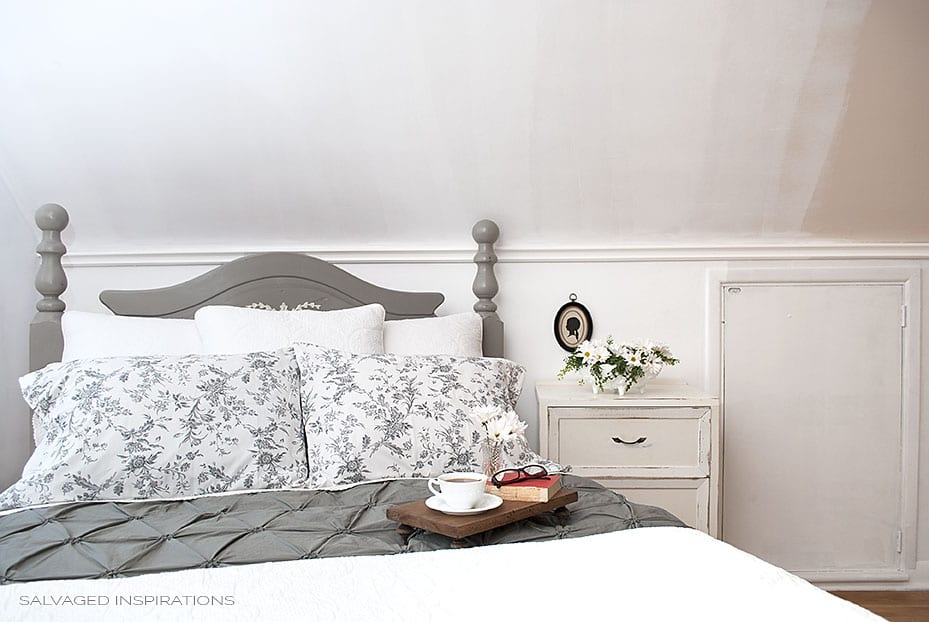 Annie sloan french linen headboard makeover salvaged for Painted headboard
