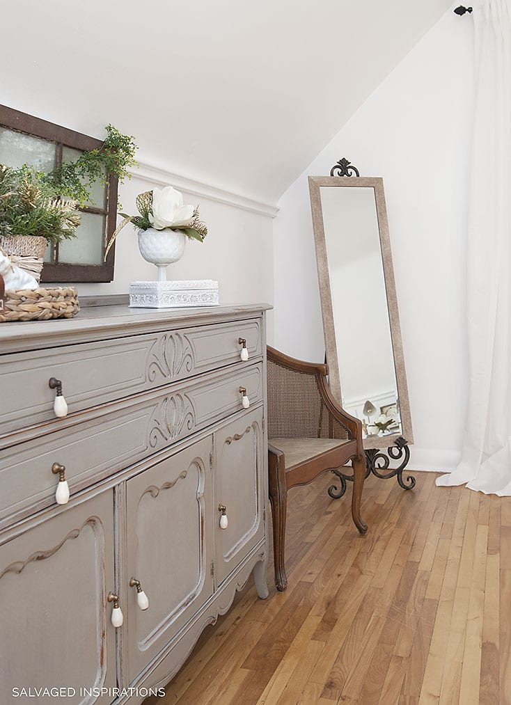 Salvaged Inspirations Bedroom Makeover Xmas Drsr w Chair