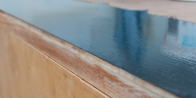 Quick-Tip-Tuesday ~ Keep A Perfectly Clean Edge Without Using Painters Tape!