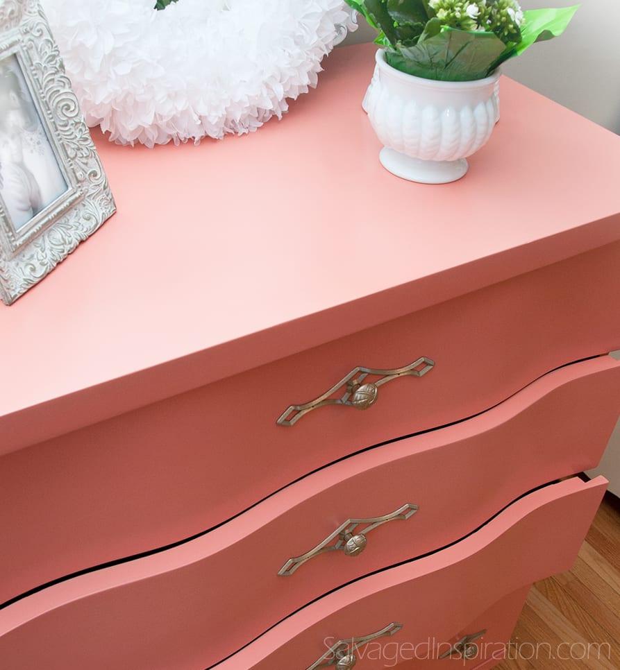 Wavy-Drawer-Dresser
