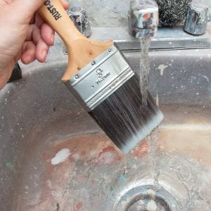 Paint-Brush-Cleaning-Made-Easy