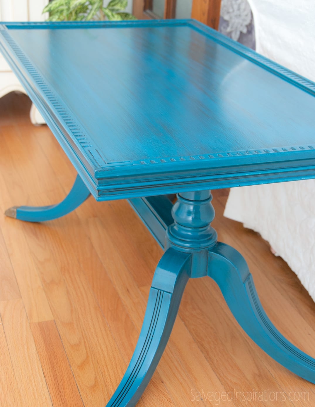Turquoise-Glazed-Table