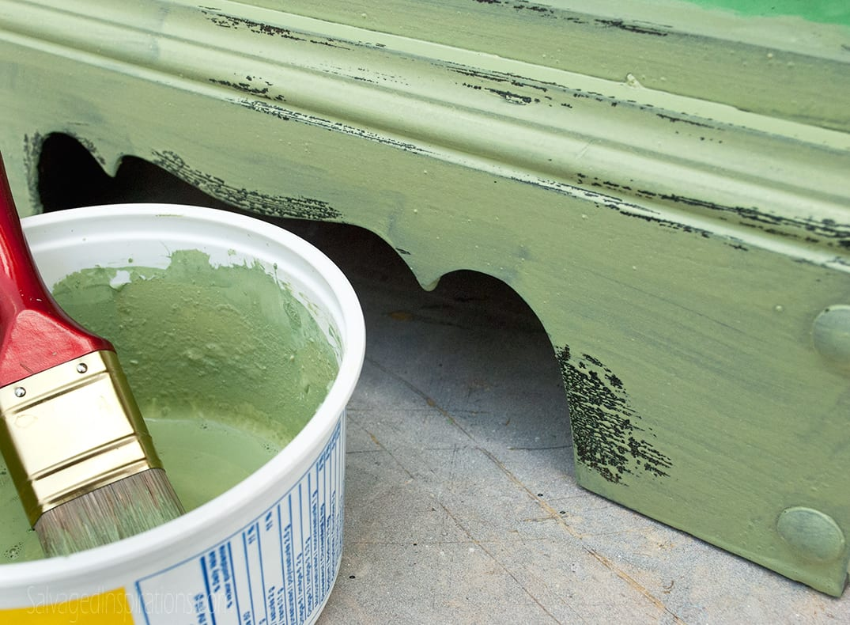 Vaseline-Repelling-Paint