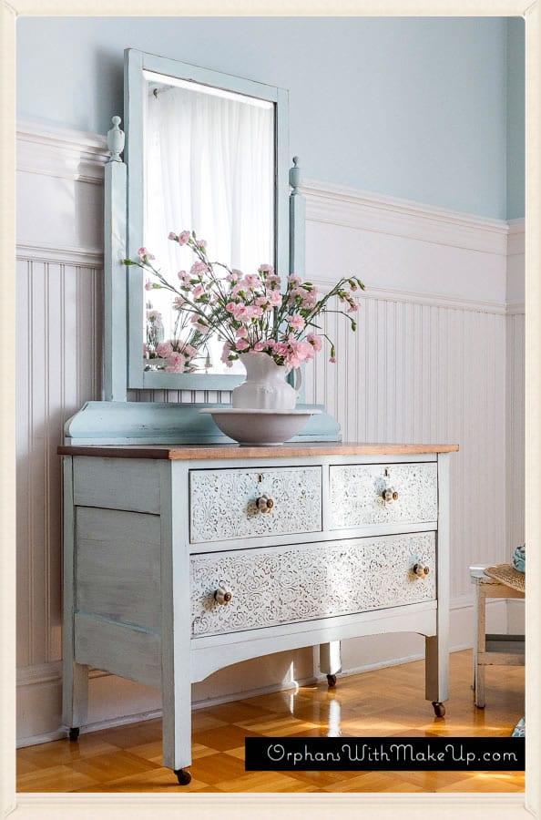 OrphansWithMakeup-Dresser