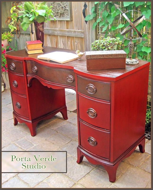Red Desk - PortaVerdeStudio