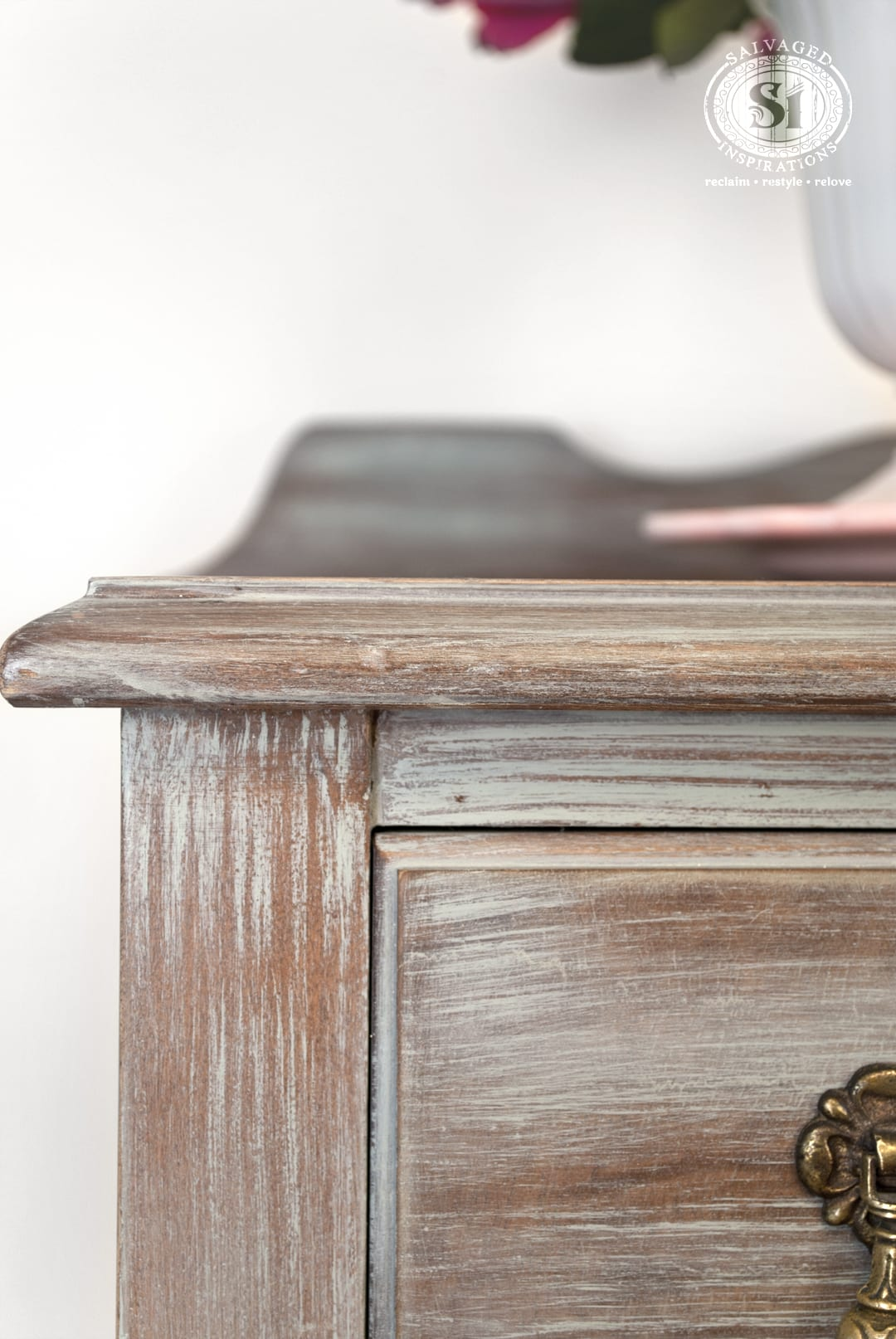 Distressed Furniture: Which Paint Distressing Technique is Right For YOU?