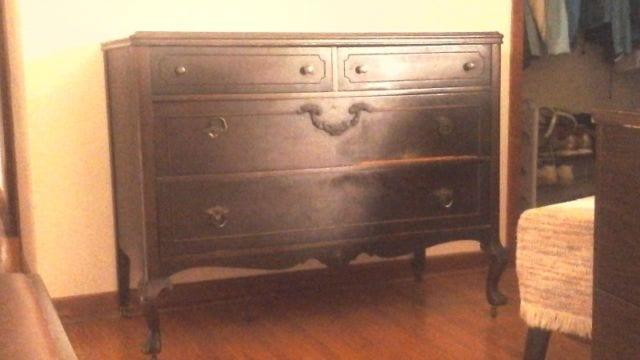 Dresser w Mirror-Beamsv1