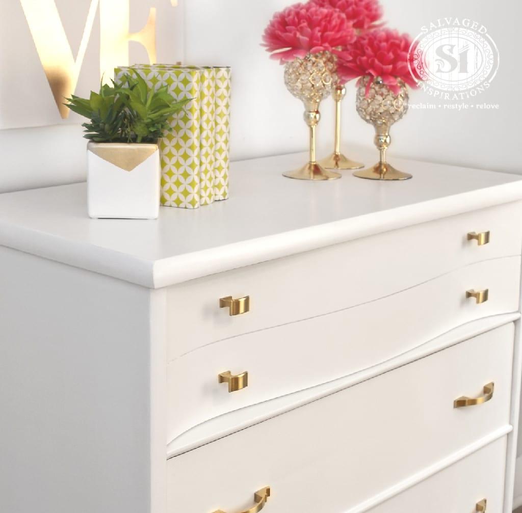 SW Extra White - Kroehler Dresser