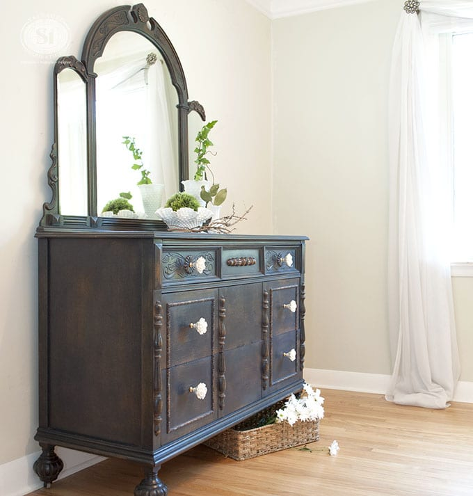 GF Coastal Blue Dresser & Window