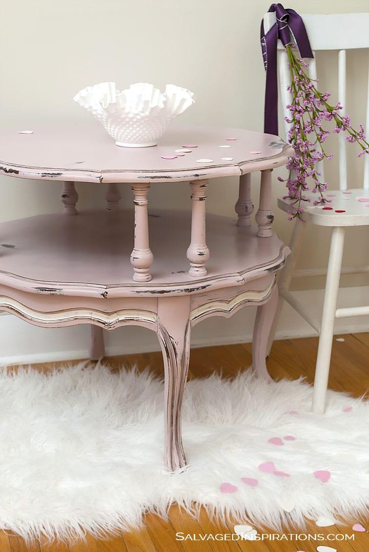Antoinette Table w Chair