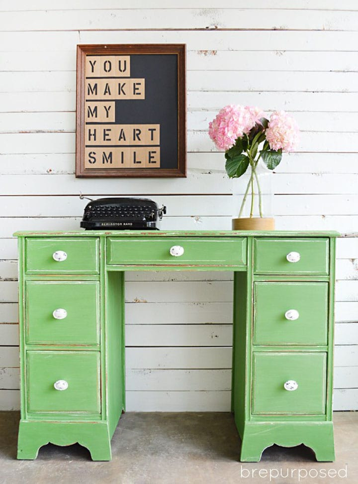 think green 25 beautiful furniture makeovers. Black Bedroom Furniture Sets. Home Design Ideas