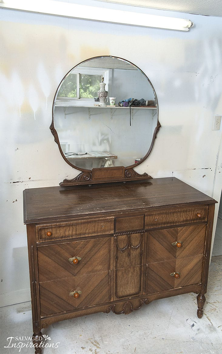 Deco-Vintage-Dressr w Round Mirror