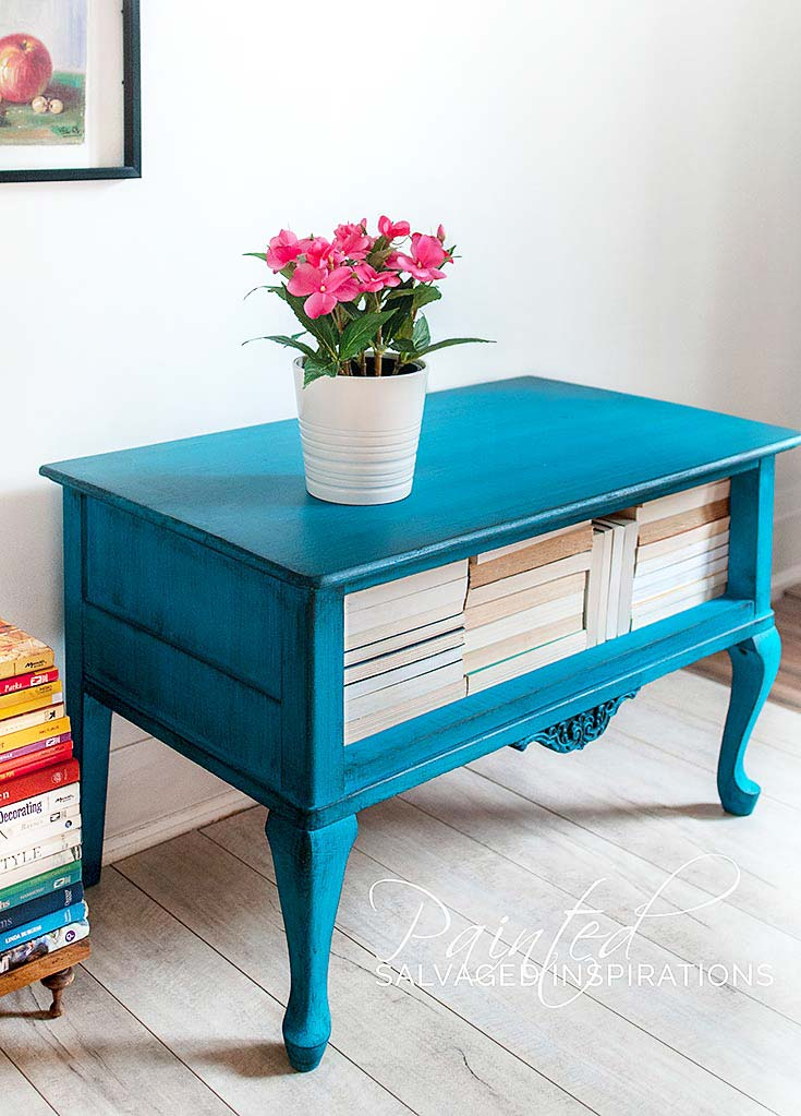 Painted-End-Table-w-Dixie-Belle-Peacock