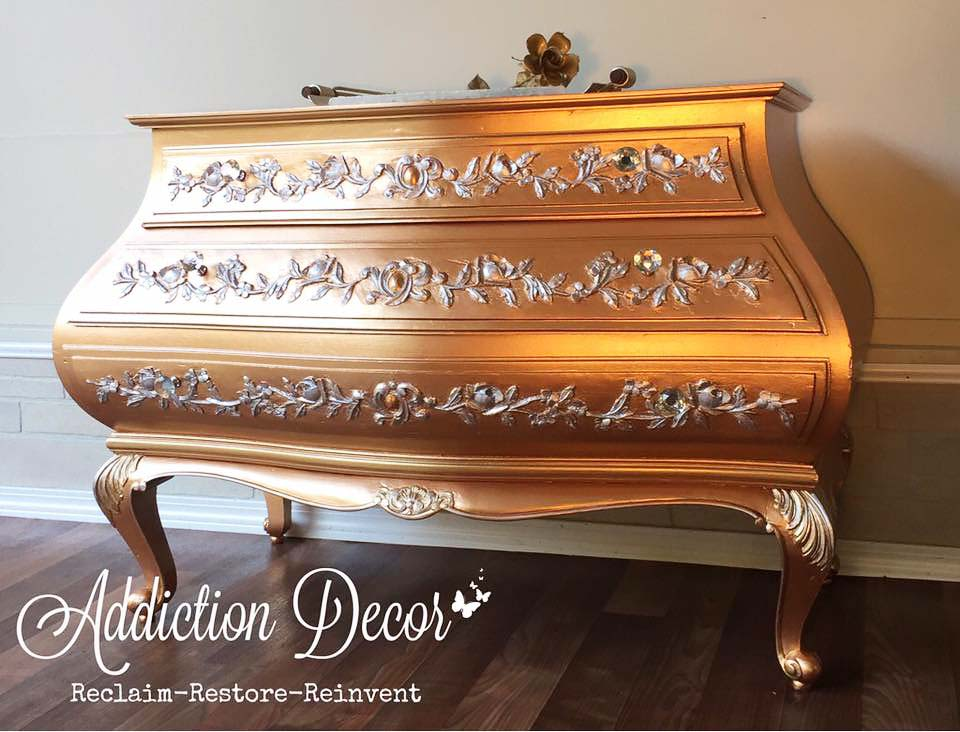 Addiction Decor Metallic Gold Chest