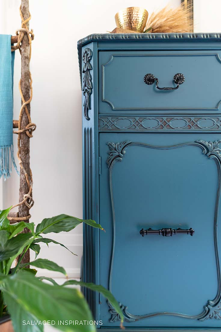 Antebellum Blue Painted Buffet w Glazed Details