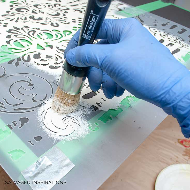 Stencilling with Redesign with Prima Brush