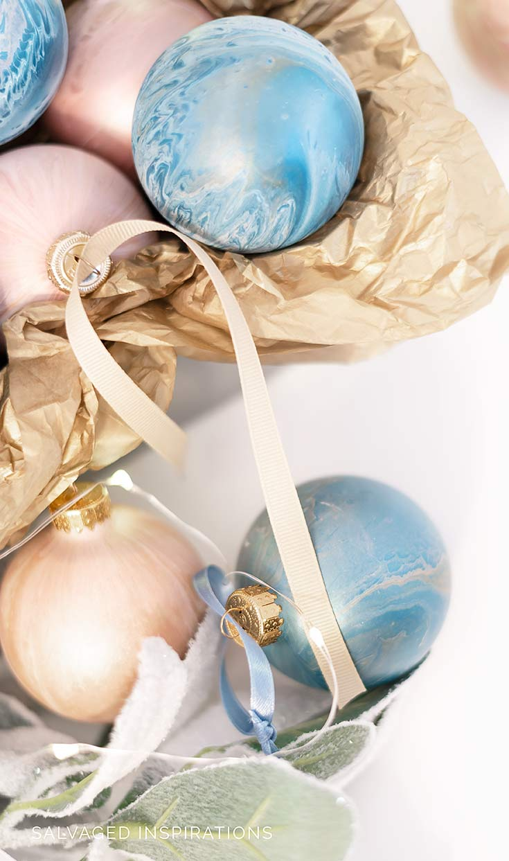 Paint Pouring To Create Marble Xmas Ornaments