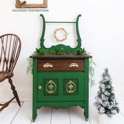 Dixie Belle Paint Christmas Washstand IG