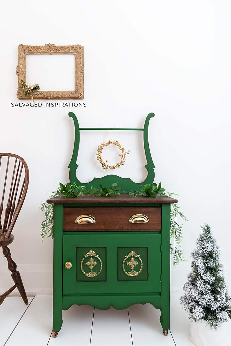 Dixie Belle Paint Christmas Washstand