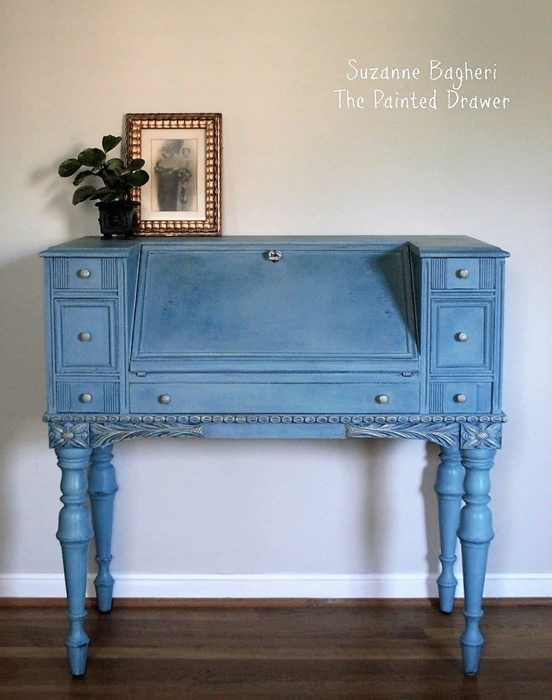 Vintage-Desk-in-Annie-Sloan-Chalk-Paint-Suzanne