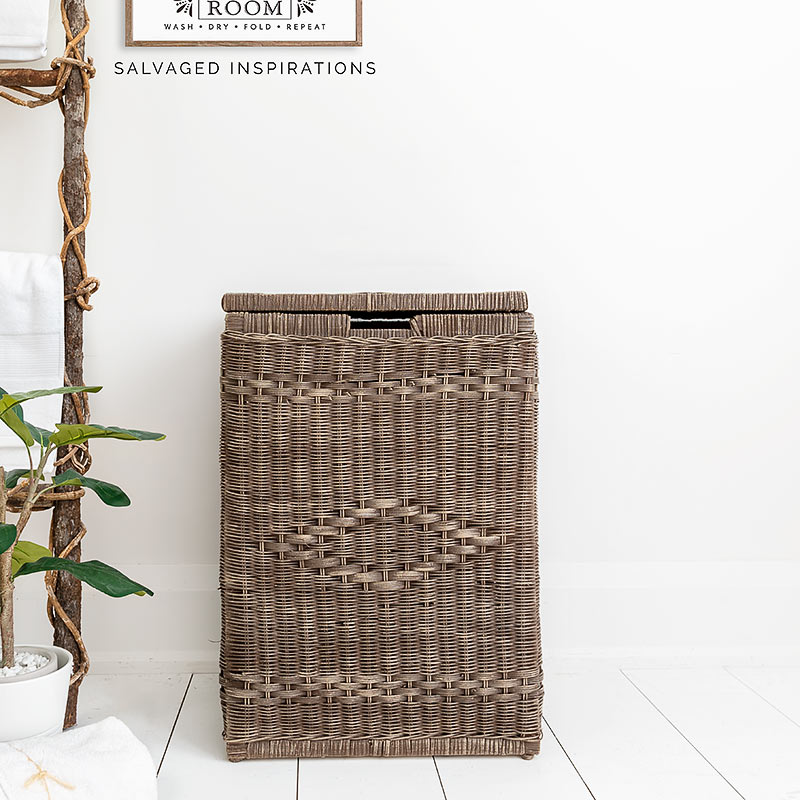 Painted Wicker Basket w Laundry Sign IG