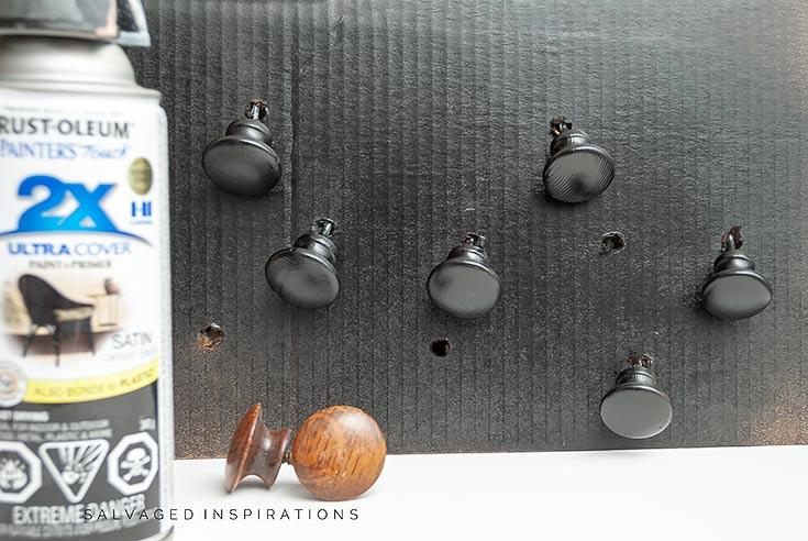 Spraying Hardware Knobs_