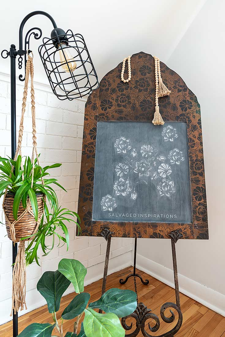 DIY Chalkboard on Easel